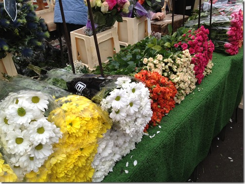 Farmers' market paris- flowers