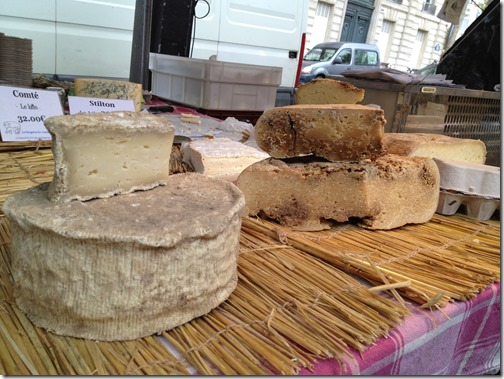 Farmers' market paris- cheese