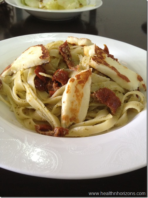 Pesto pasta with halloumi and sun dried tomatoes