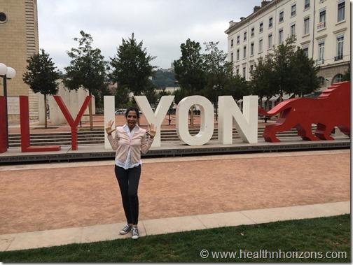 lion pose in Lyon